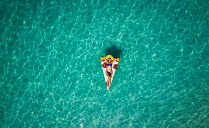 Letni wypoczynek z gadżetami. Sprawdź nasze inspiracje