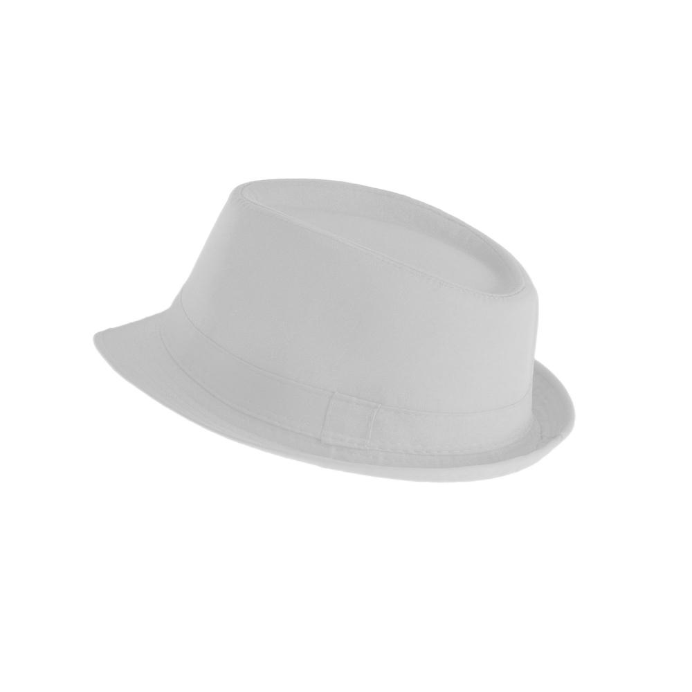 letni wypoczynek z gadżetami czapka