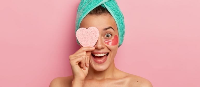Reklama w branży beauty. Jak wykorzystać potencjał gadżetów firmowych?